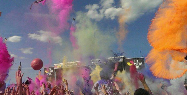 Colour run crowd
