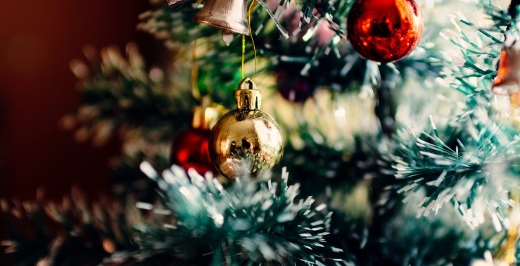 Unsplash photo-Glittery Christmas
